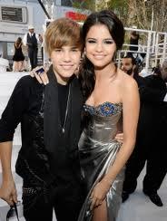 selena and justin started dating